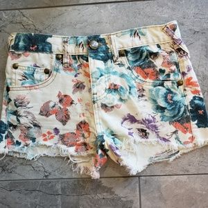 Free People | Fun Floral Shorts Size 0/2 W24 F15